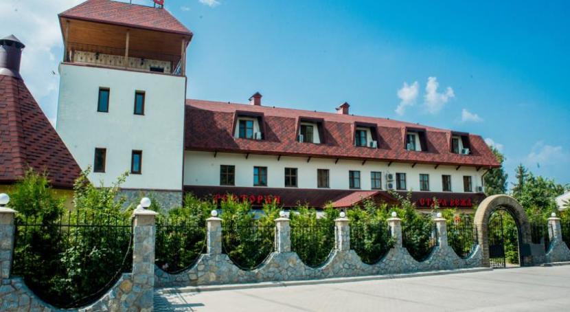 готель Стара вежа