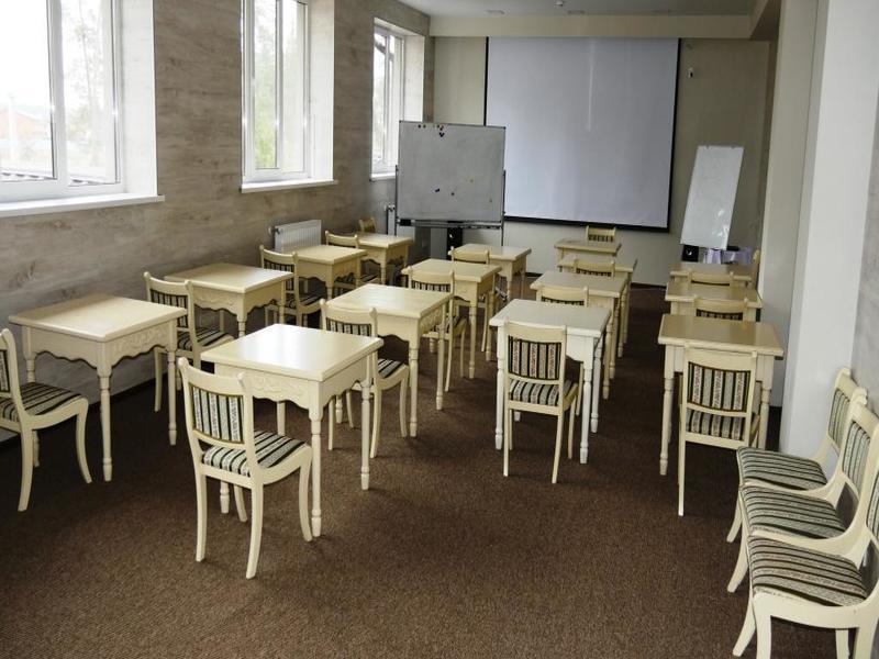 """Заміський комплекс відпочинку """"Боровик"""""""