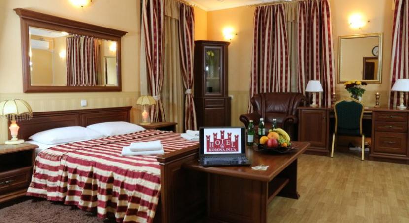 готель Корона