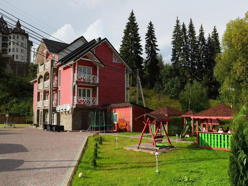 """готель Приватна садиба """"Ski Хата"""""""
