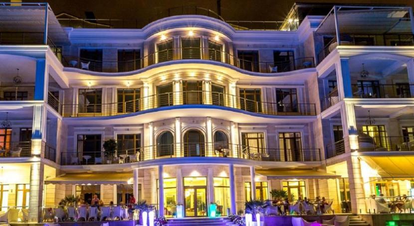готель Панорама Де Люкс