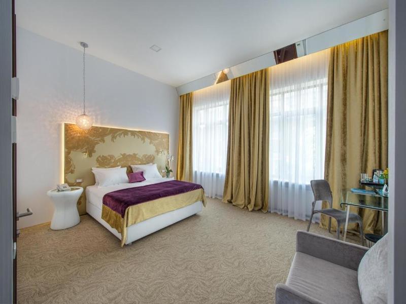 """Бутік-готель """"Panorama De Luxe"""""""