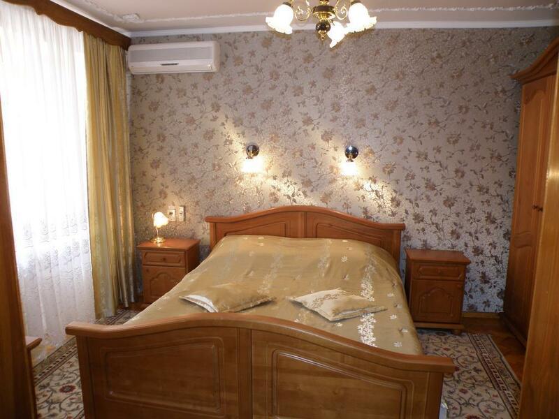 """Готель """"Вікторія"""""""