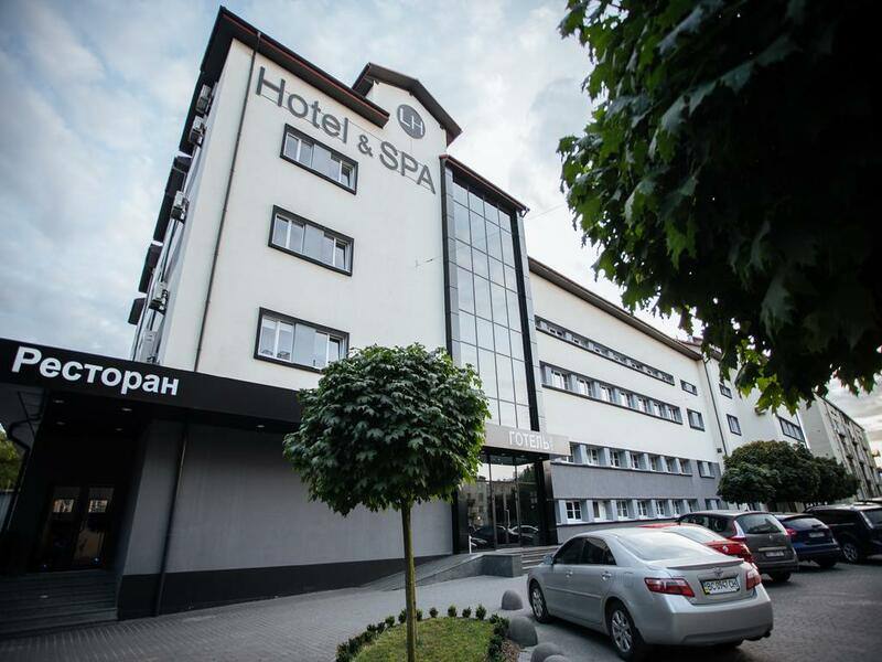 готель LH Hotel & SPA