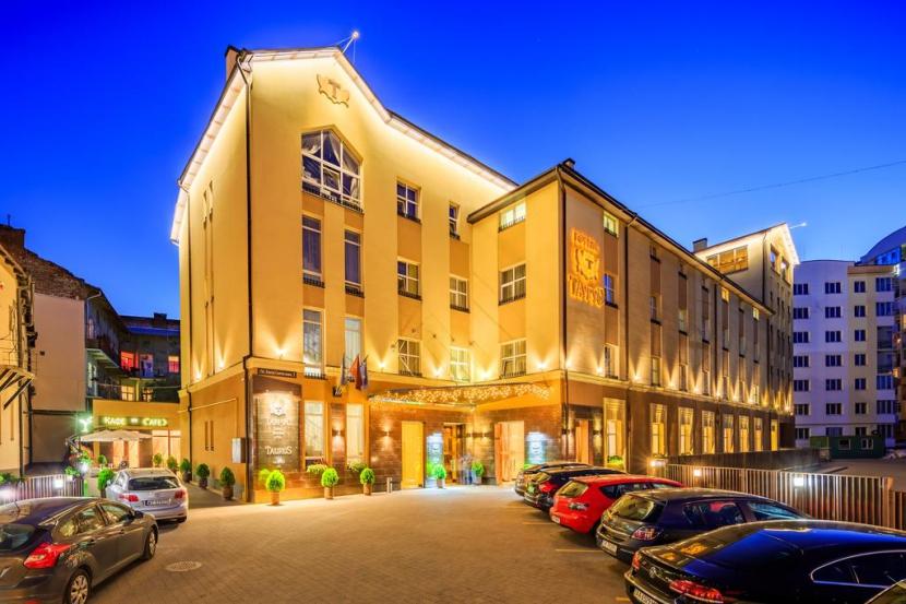 готель Taurus Hotel & SPA