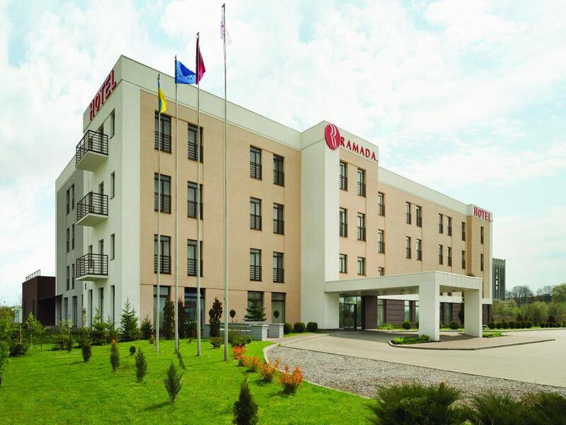 """готель Готель """"Ramada Lviv"""""""