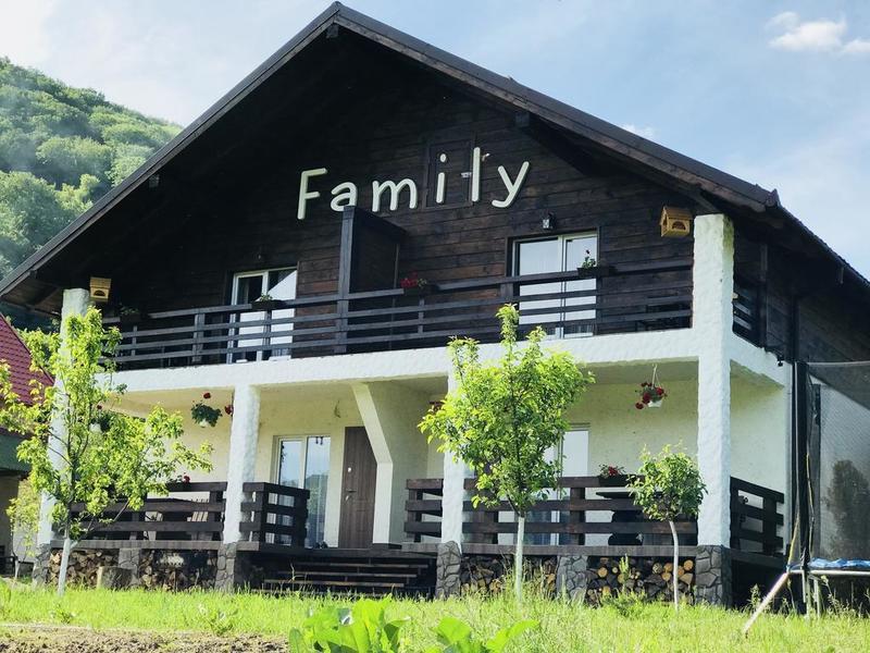"готель Chalet ""Family"""