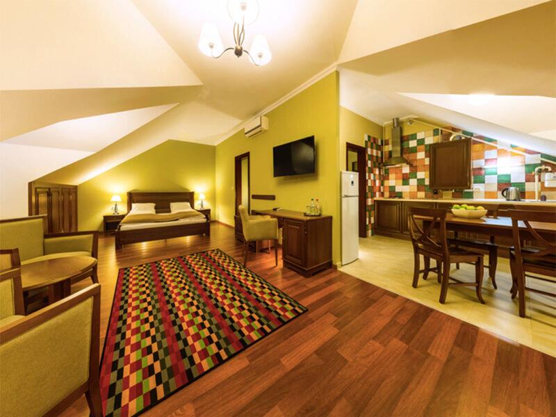 Апартамент-отель в Деренивской Купели