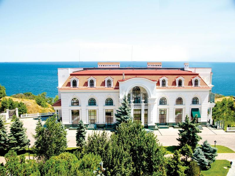 готель KADORR Hotel Resort & Spa