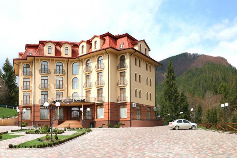 """готель Гранд готель """"Пилипець"""""""