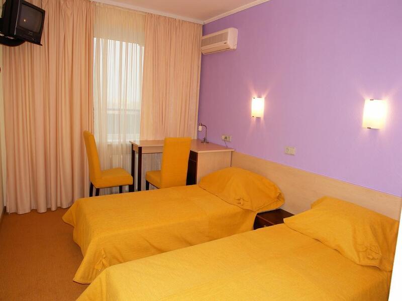Отель 7 дней Каменец-Подольский