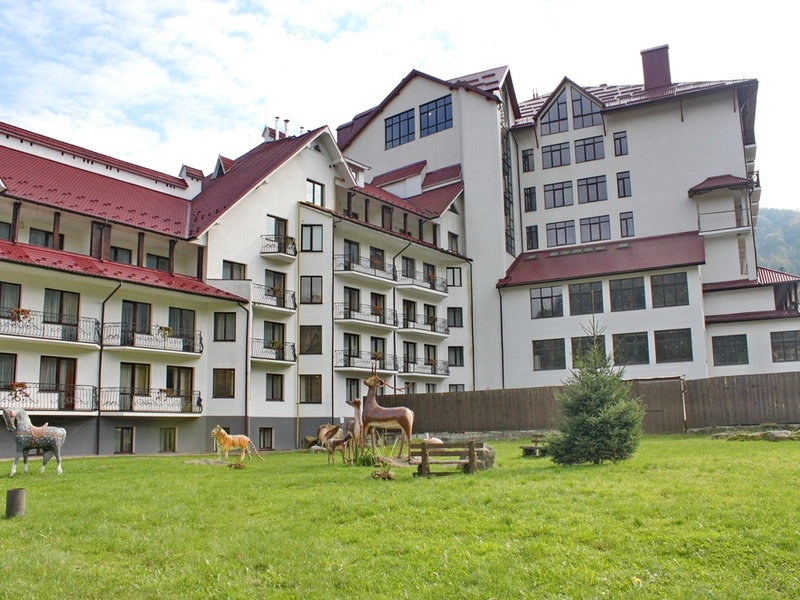 """готель Готель """"VitaPark Станіславський Яремче"""""""
