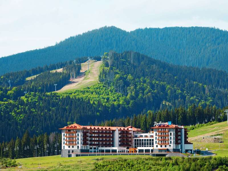 "готель Готель ""Radisson Blu Resort Bukovel"""