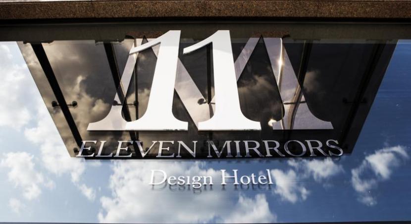 готель 11 Mirrors Design Hotel