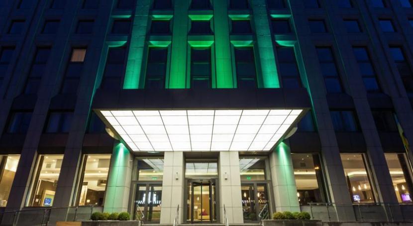 готель Holiday Inn Київ
