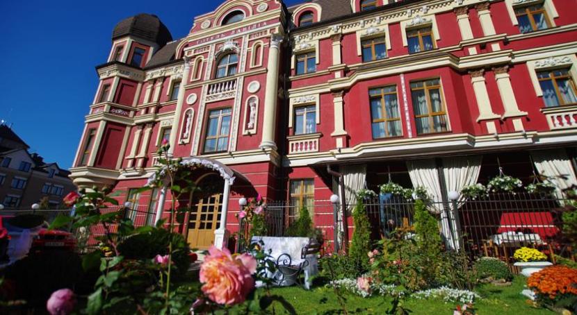 готель Lavilia