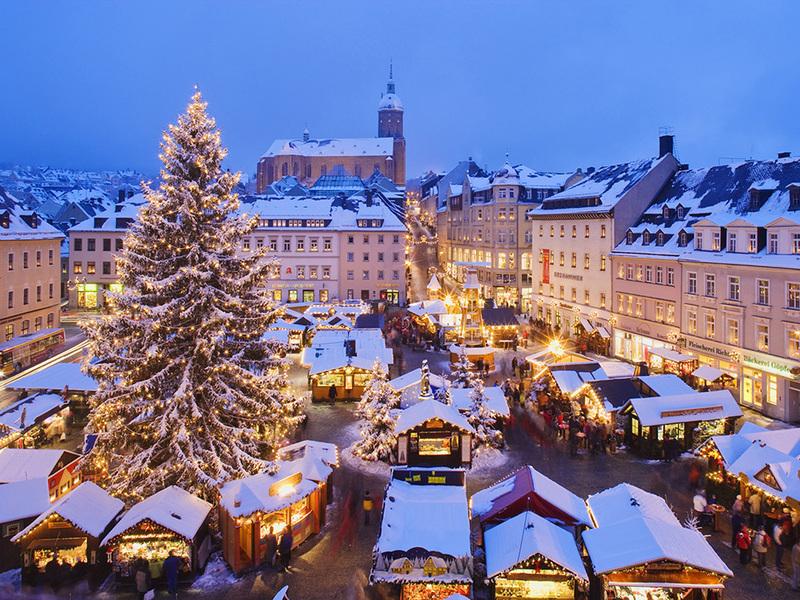 Старт різдвяних ярмарок в Європі