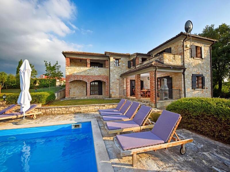 Villas Fabci by Istarski Dvori (Фабчі)