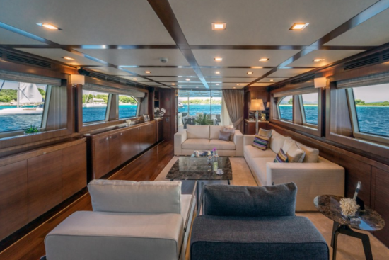 "FERRETTI NAVETTA 33 ""SEVENTH SENSE"""